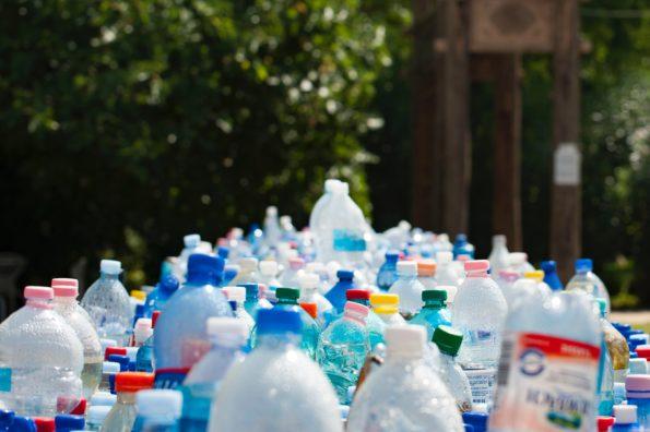 Plastikberge, weg vom Einwegplastik hin zur Permanenz zu pp woven taschen Tragetaschen